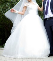 Свадебное платье  размер 42-44 цена 500$
